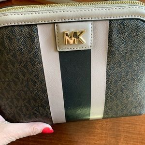 Beautiful Michael Kors bag!